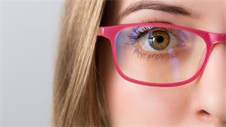 What are the myopia causes in adults?
