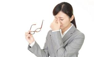 Can myopia cause dry eyes?